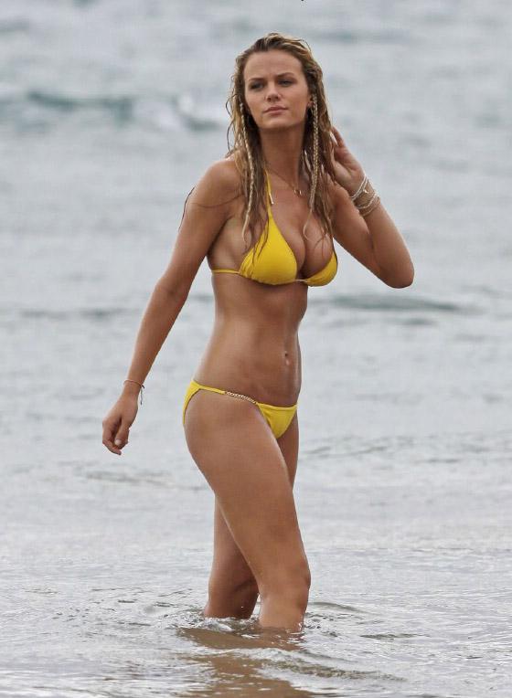 Brooklyn Decker in Just Go With It movie: yellow bikini